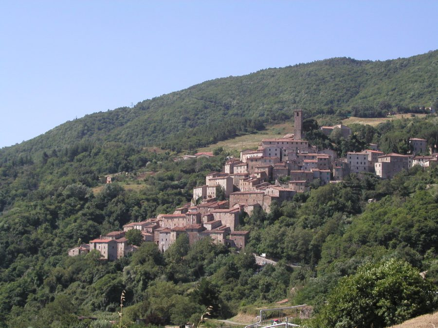 Discover Val di Cecina with the family